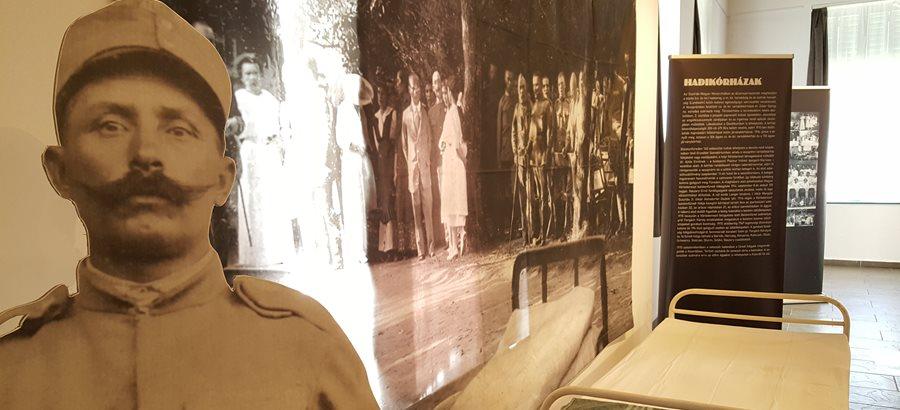 Vaszary kézirat a világháborús kiállításon