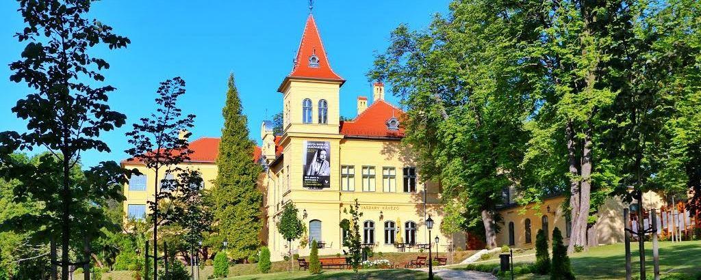 Bezárnak a város kulturális intézményei