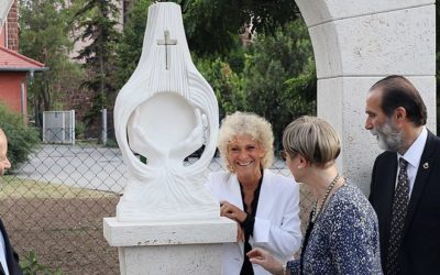 Faykod Mária szobrának avatása